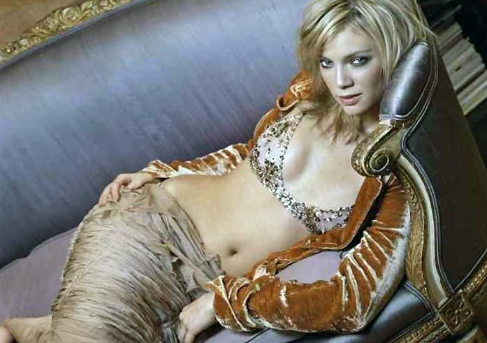 Amy Smart Nude and Sexy (95 Photos + Sex Scenes Compilation)