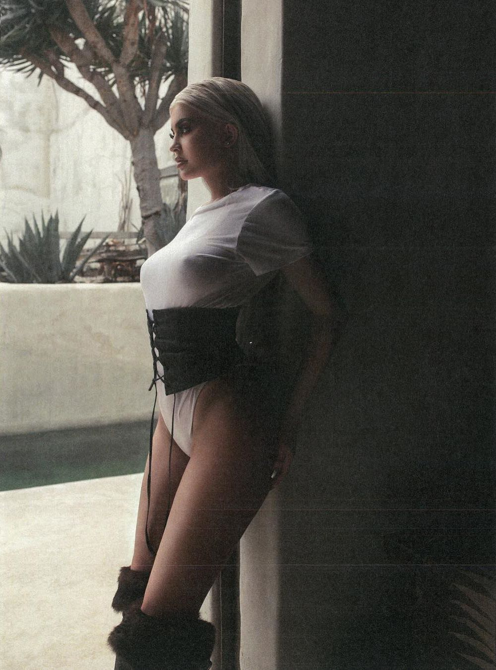 Kylie Jenner Nude & Sexy (183 Photos + Leaked PORN With Travis Scott & 2021 News)