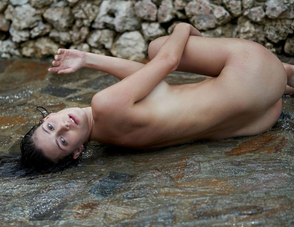 Alejandra Guilmant Nude (26 Hot Photos)