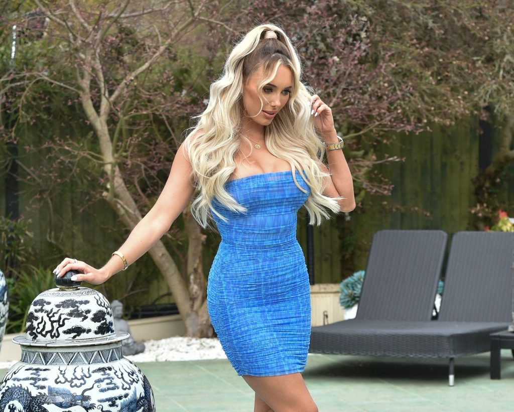 Amber Turner Shows Off Her Sexy Legs in London (47 Photos)