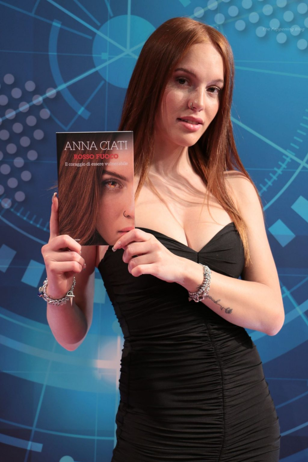 Anna Ciati Flaunts Her Young Body On TV Show (12 Photos)