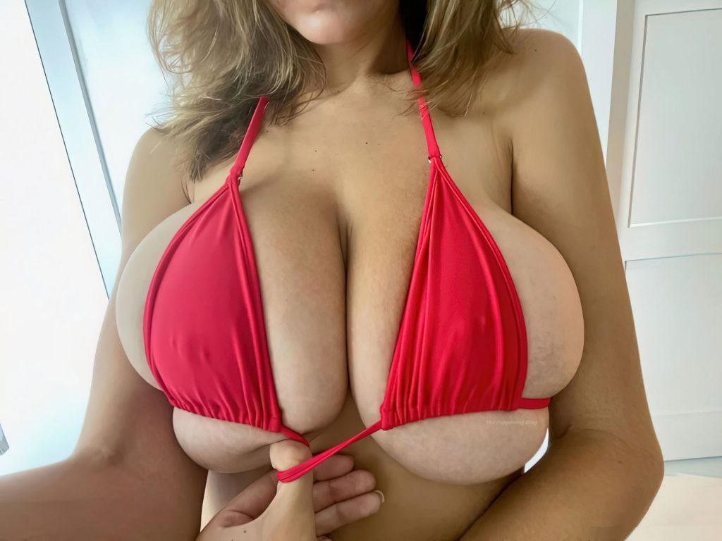 Ashley Tervort Sexy (20 Photos)