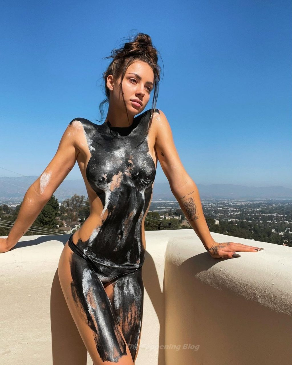 Charly Jordan Topless (3 Photos)