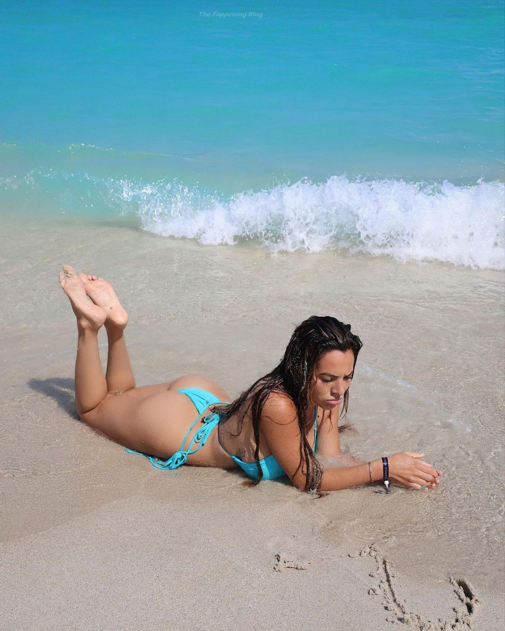 Danielley Ayala Sexy (14 Photos)