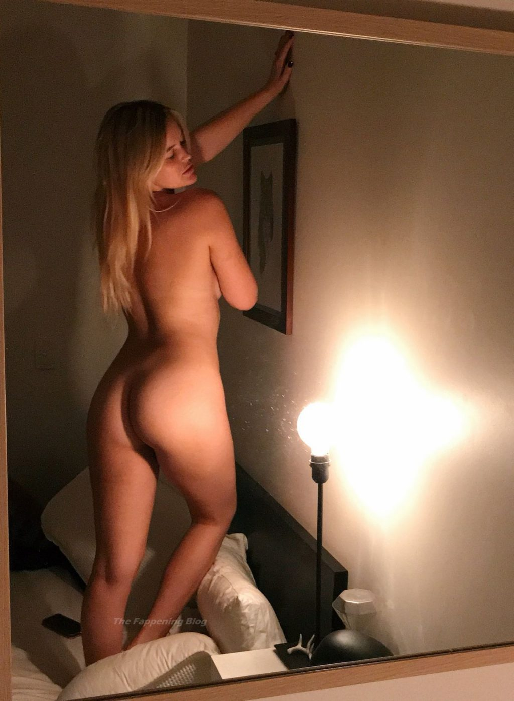 Elle Knox Nude (25 Photos)