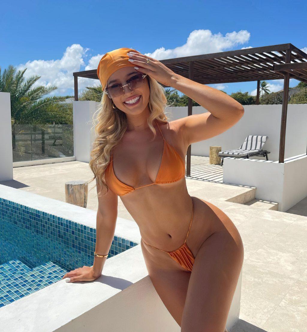 Jilissa Ann Zoltko Sexy (9 Photos)