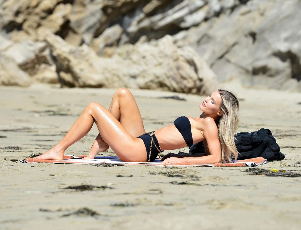 Joy Corrigan Shows Off Her Toned Beach Body During a Photoshoot in LA (40 Photos)
