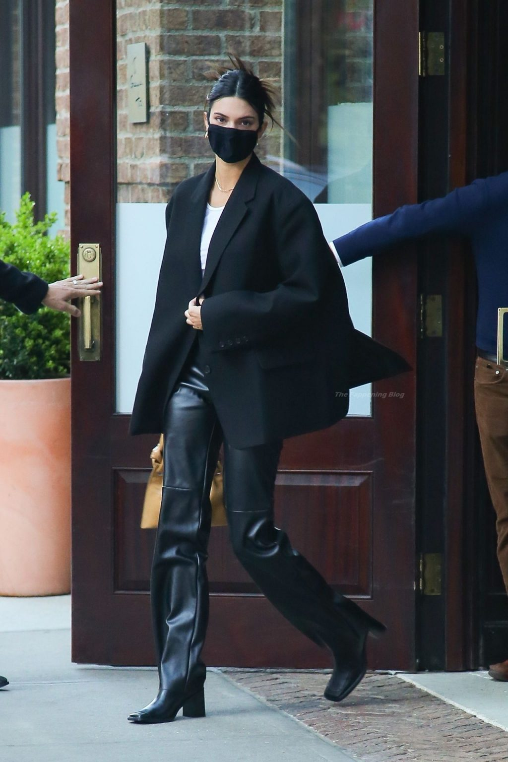 Braless Kendall Jenner & Joan Small Stops By Tribeca, NYC (66 Photos)