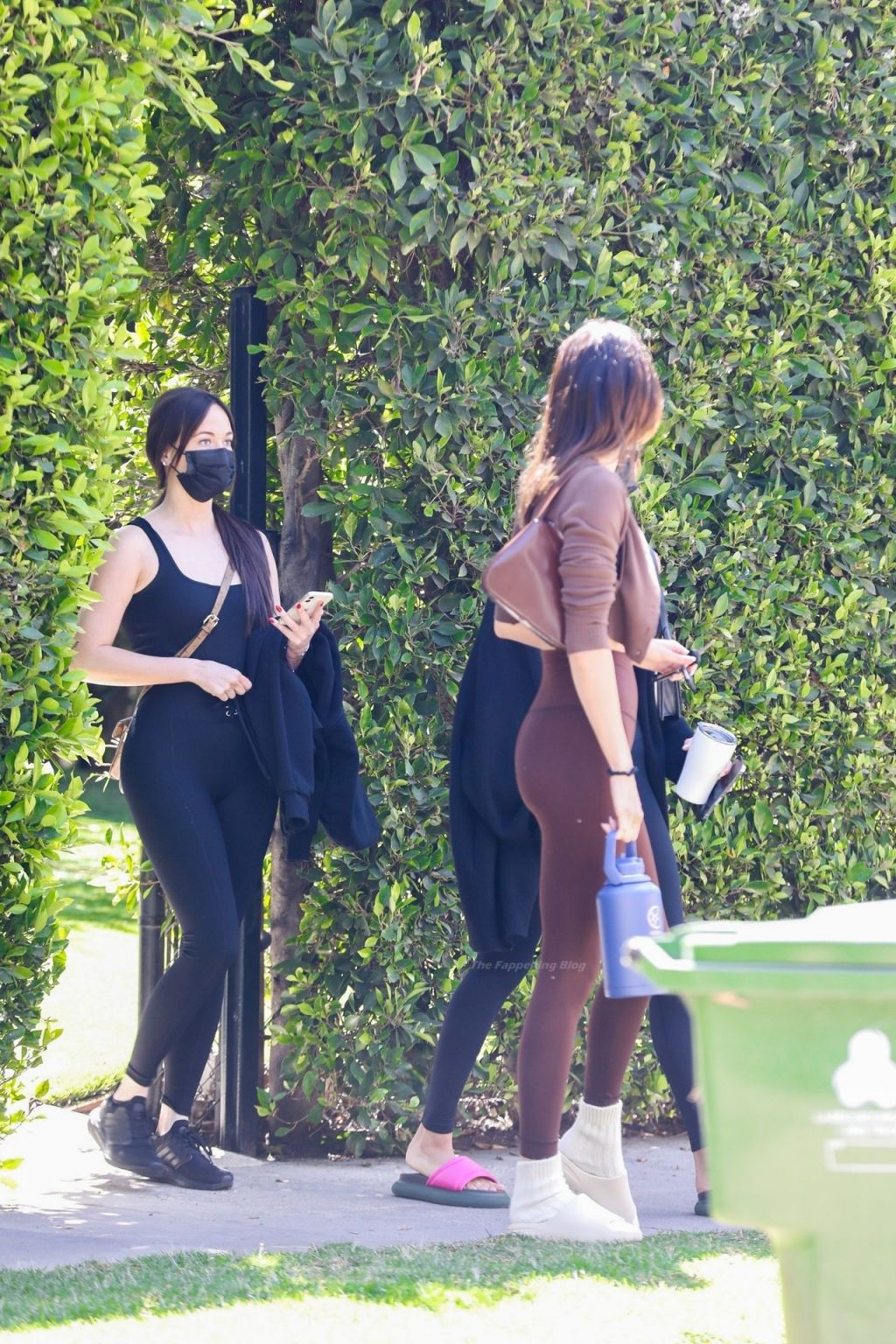 Kendall Jenner & Hailey Bieber Put Their Taut Abs on Display (142 Photos)