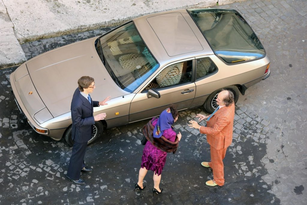 """Lady Gaga is in Character Spotted on Set Shooting a Scene From the New Movie """"House of Gucci"""" (46 Photos)"""
