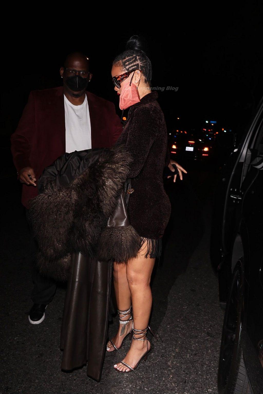 Leggy Rihanna Looks Stunning as She Arrives for Dinner at Delilah (57 Photos)