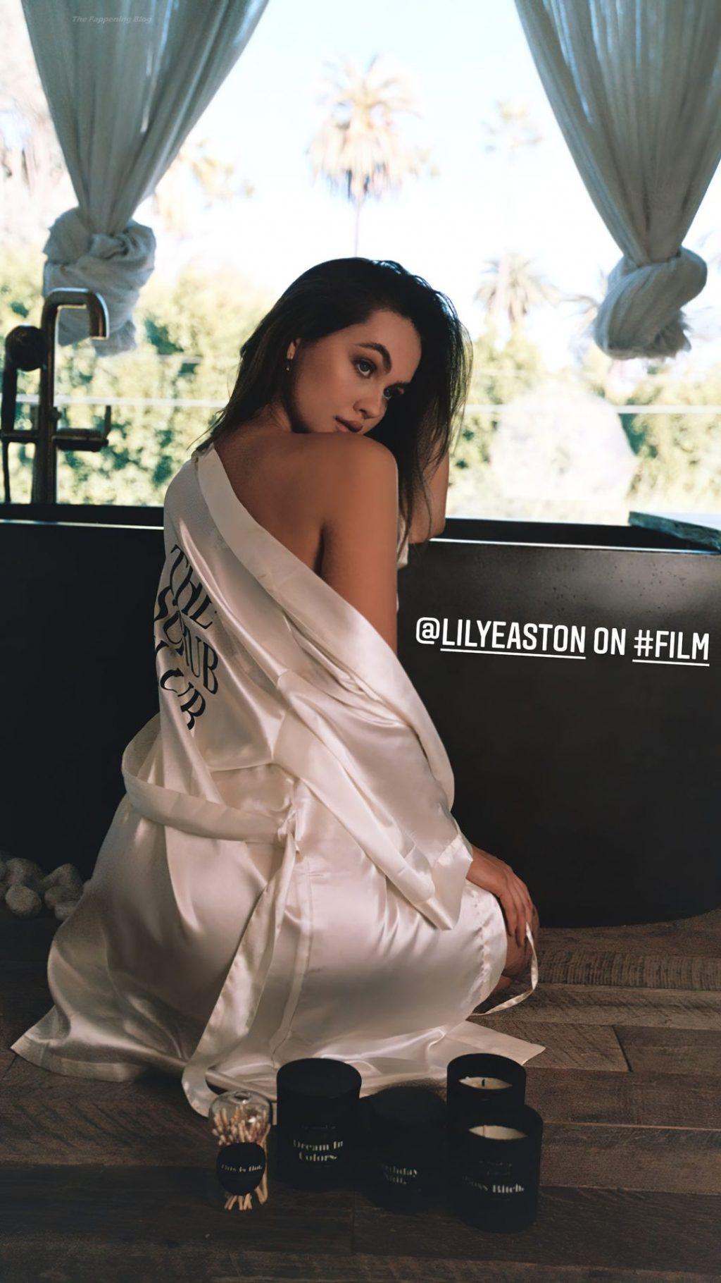 Lily Easton Sexy (14 Photos)