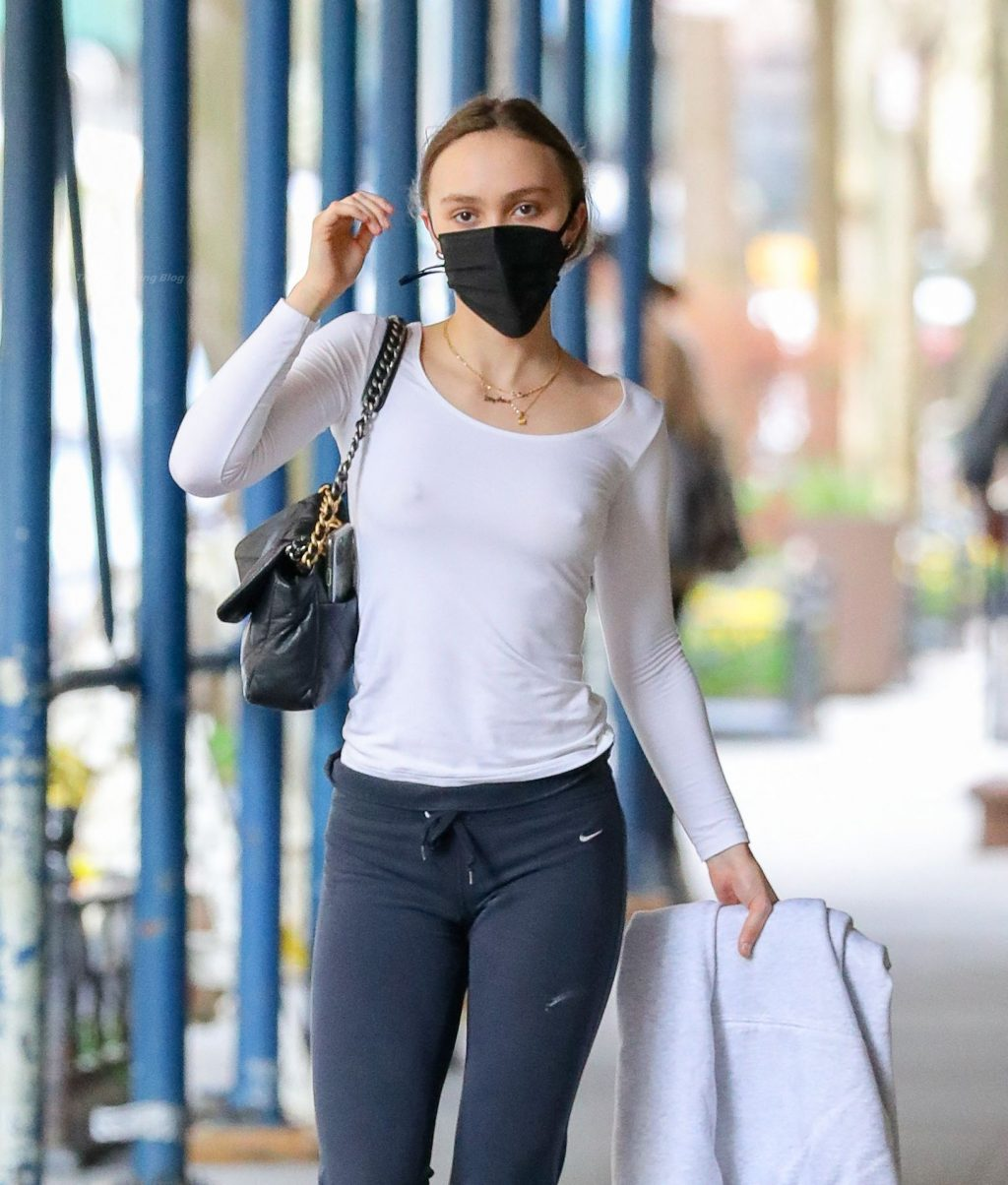 Lily-Rose Depp Is Spotted Bra-Less In New York City (9 Photos)