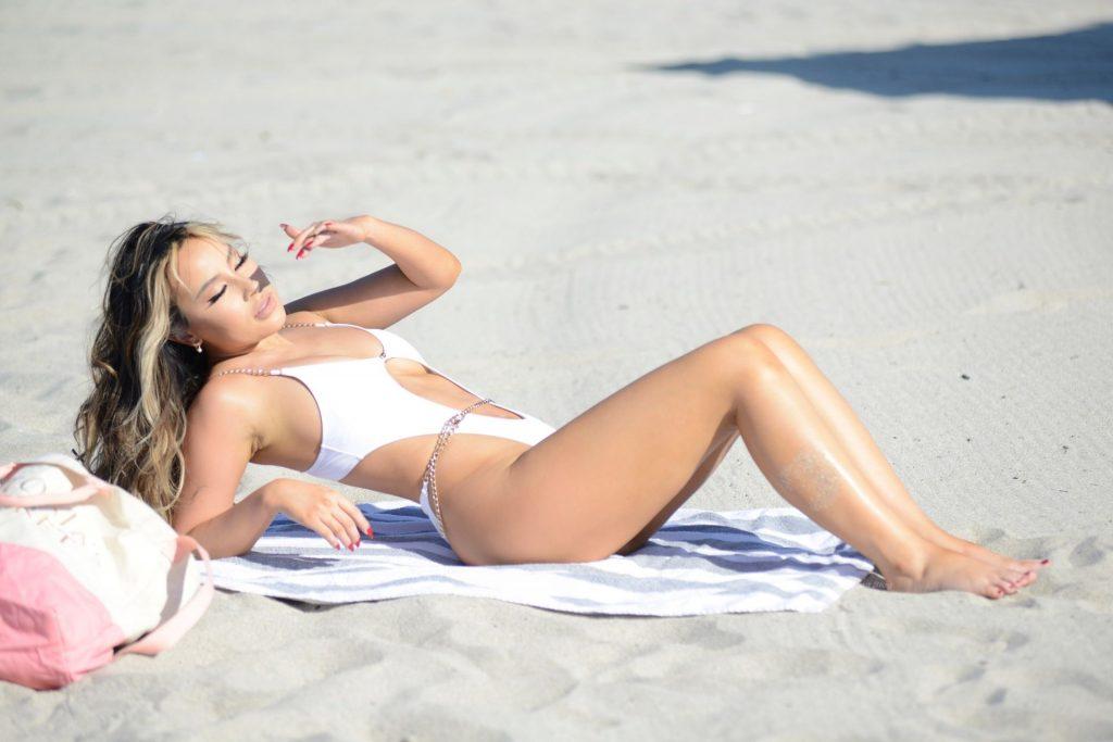 Lisa Opie Stuns at Miami Beach (28 Photos)