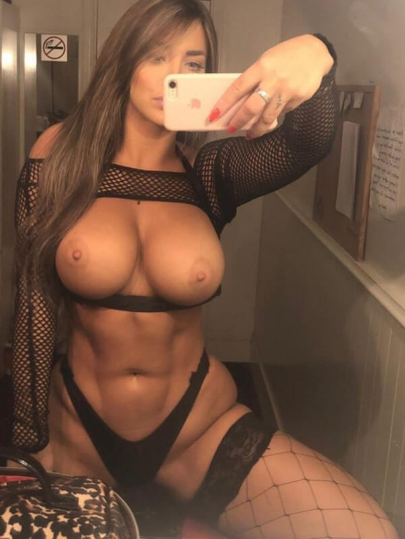 Lizz Dahl Nude (10 Photos)