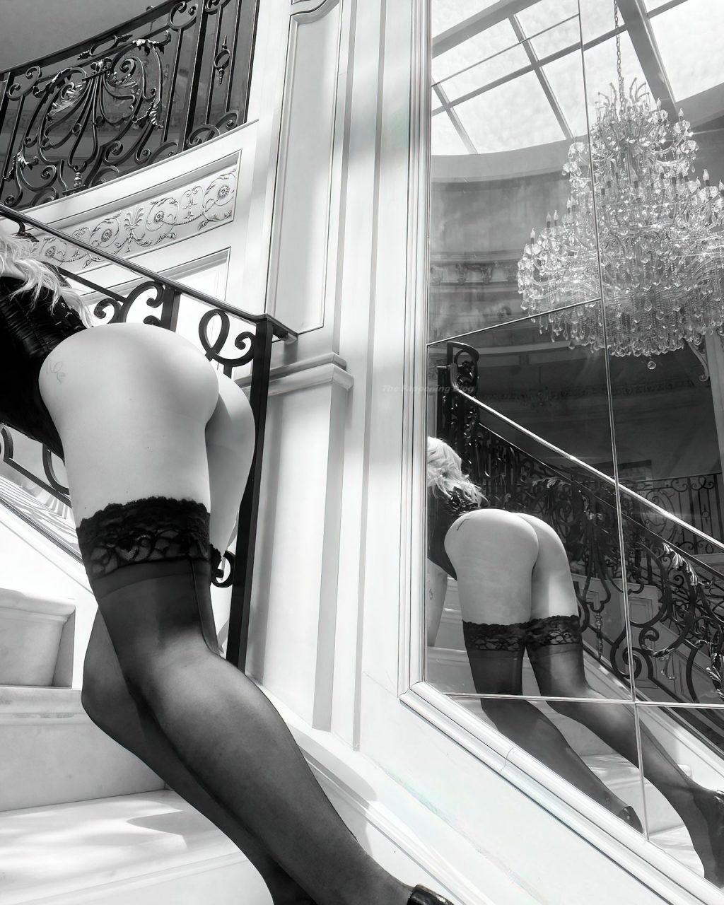 Lottie Moss Shows Off Her Sexy Butt (9 Photos)
