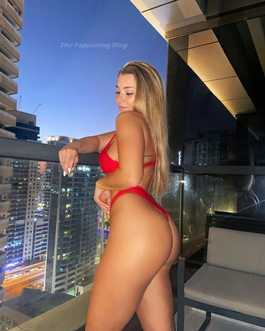 Madelene Wright Sexy (12 Photos)