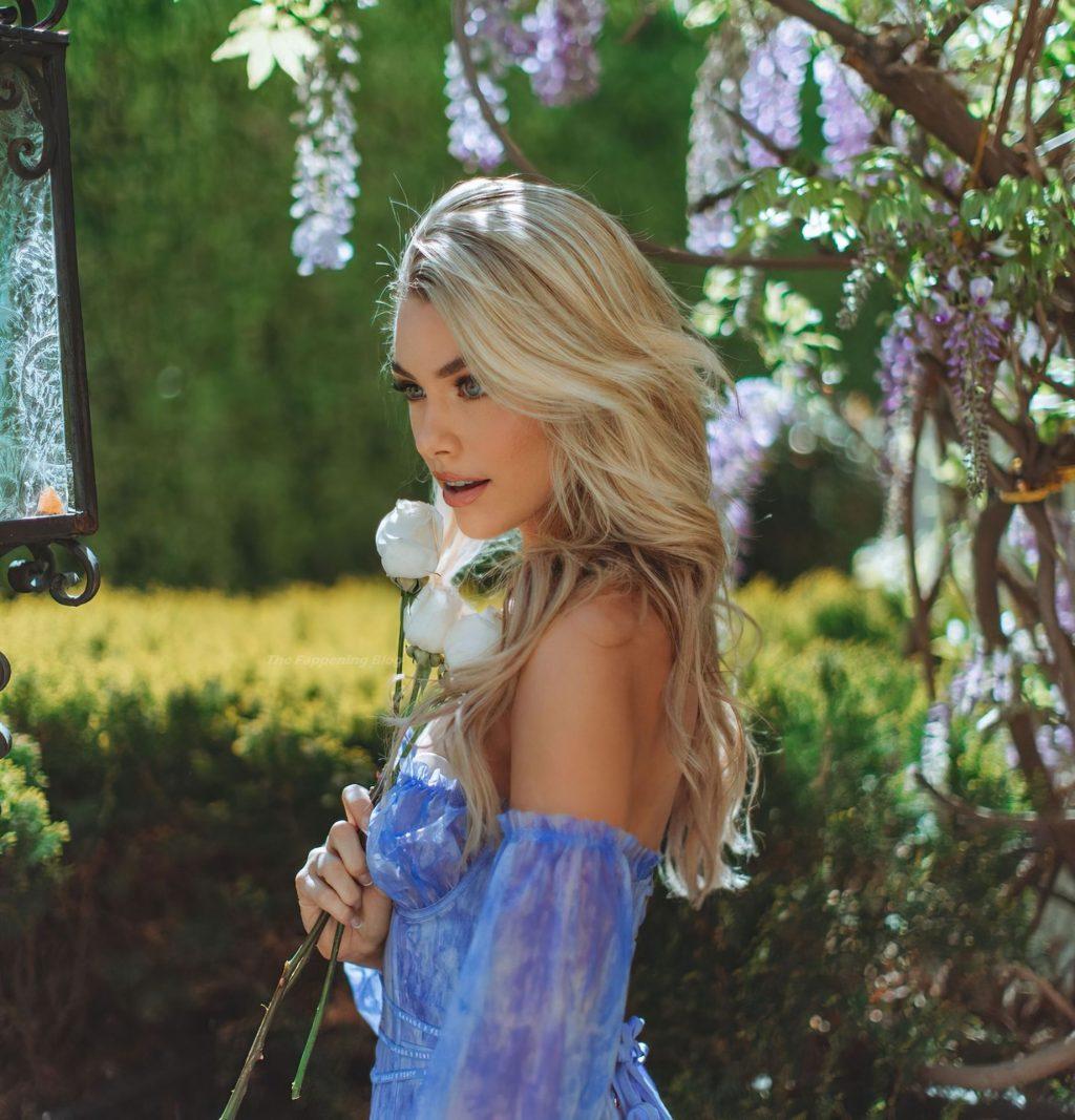 Paige Lorentzen Sexy (4 Photos)