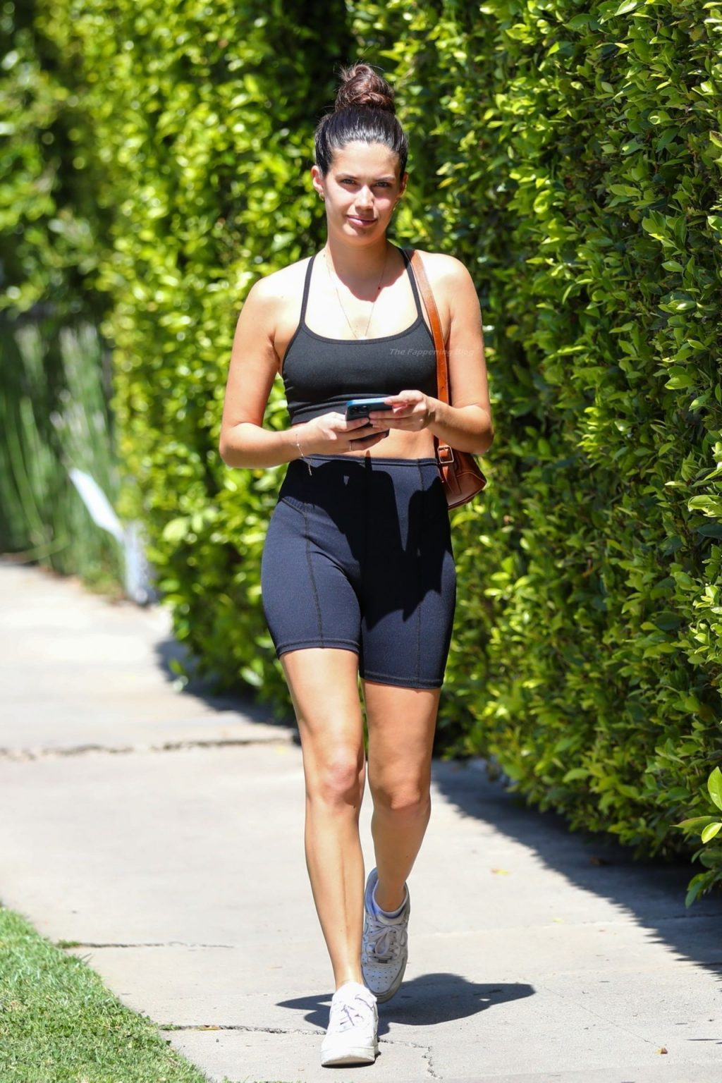 Sara Sampaio is Pictured Leaving a Grueling Pilates Workout in LA (15 Photos)