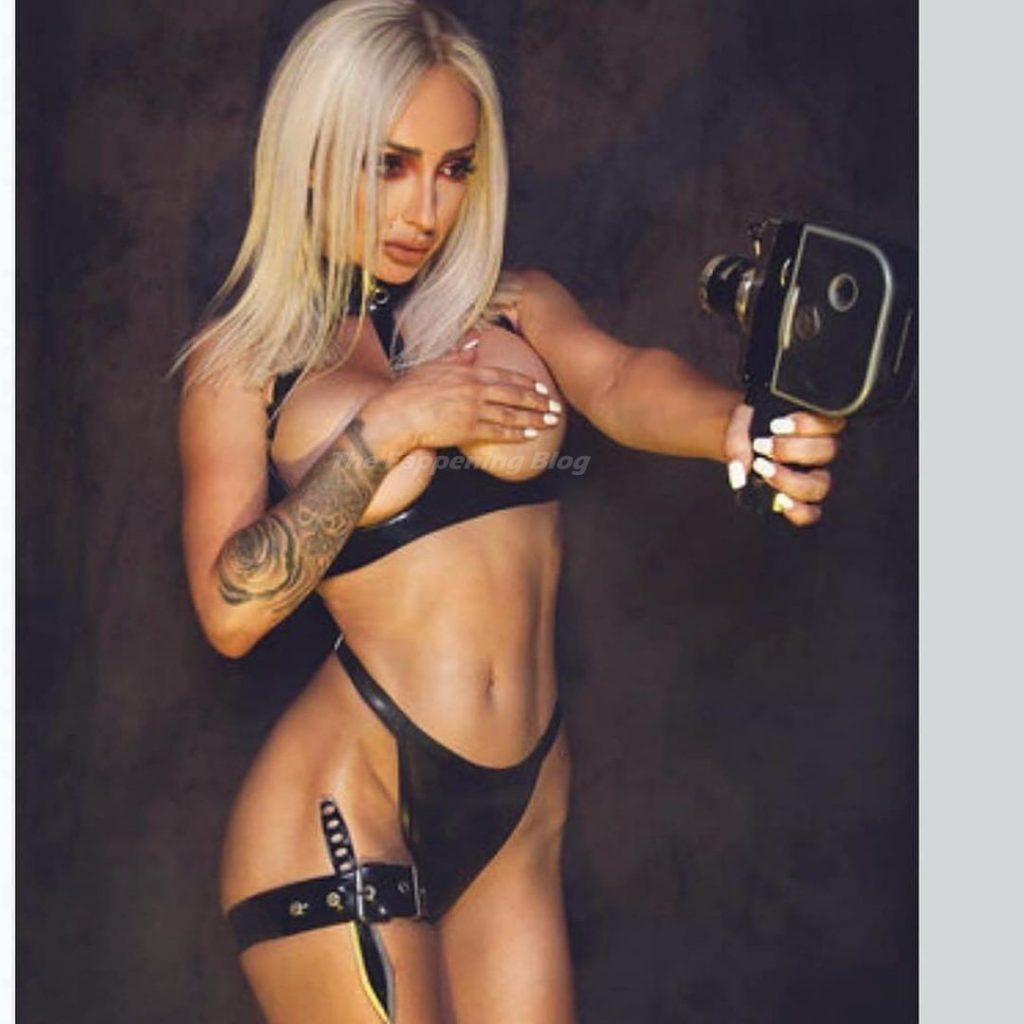 Sarah Jane Banahan Nude (13 Photos)
