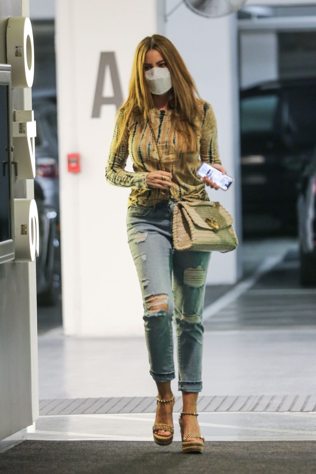 Sofia Vergara Gets Dressed Up in Tie-Dye and Ripped Jeans in Beverly Hills (20 Photos)