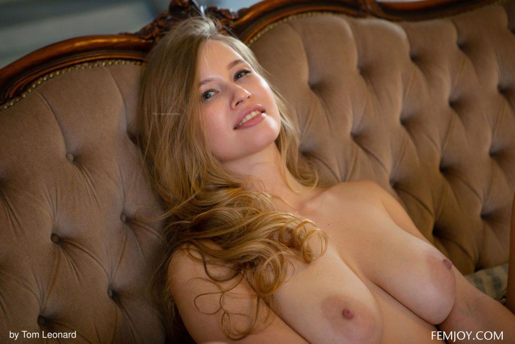 Stella Cardo Nude & Sexy – Stunning (113 Photos)