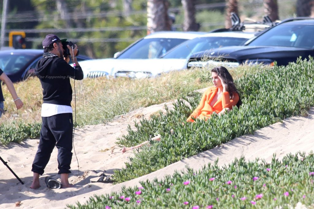 Teodora Djuric Does a Fashion Photoshoot in Santa Monica (9 Photos)