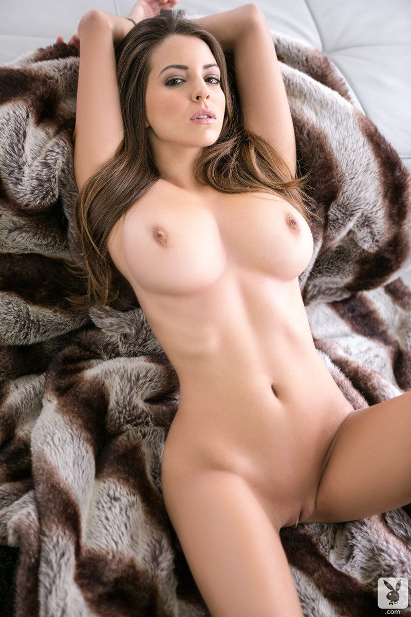 Shelby Chesnes Nude Collection (31 Best Photos + Video)