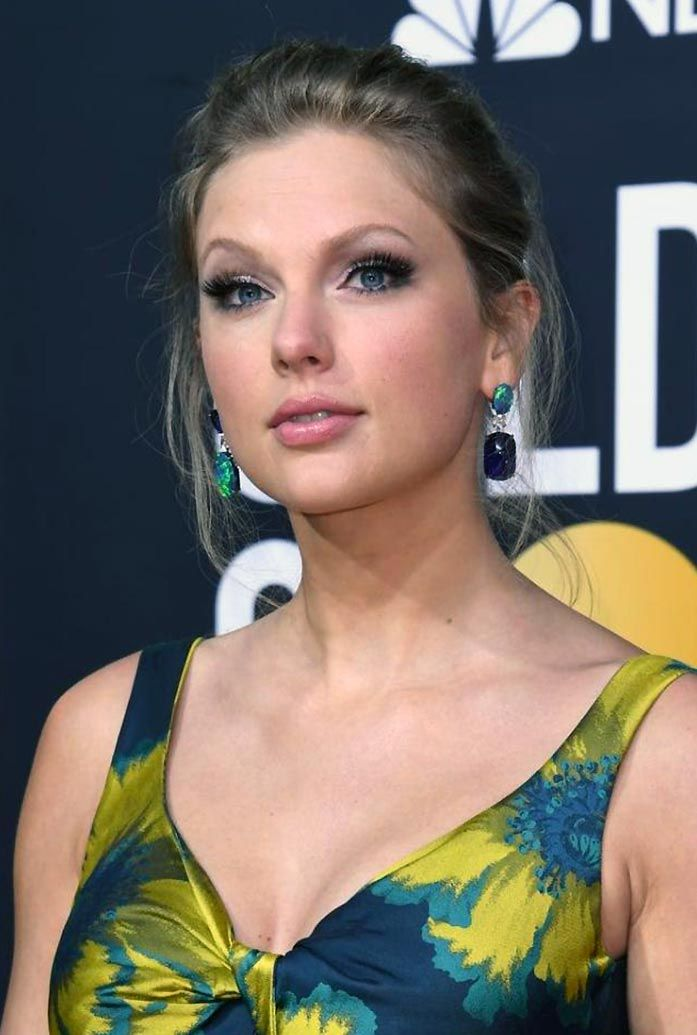 Taylor Swift Nude & Sexy (197 Photos + Possible LEAKED Sex Tape Porn Videos) [Updated]