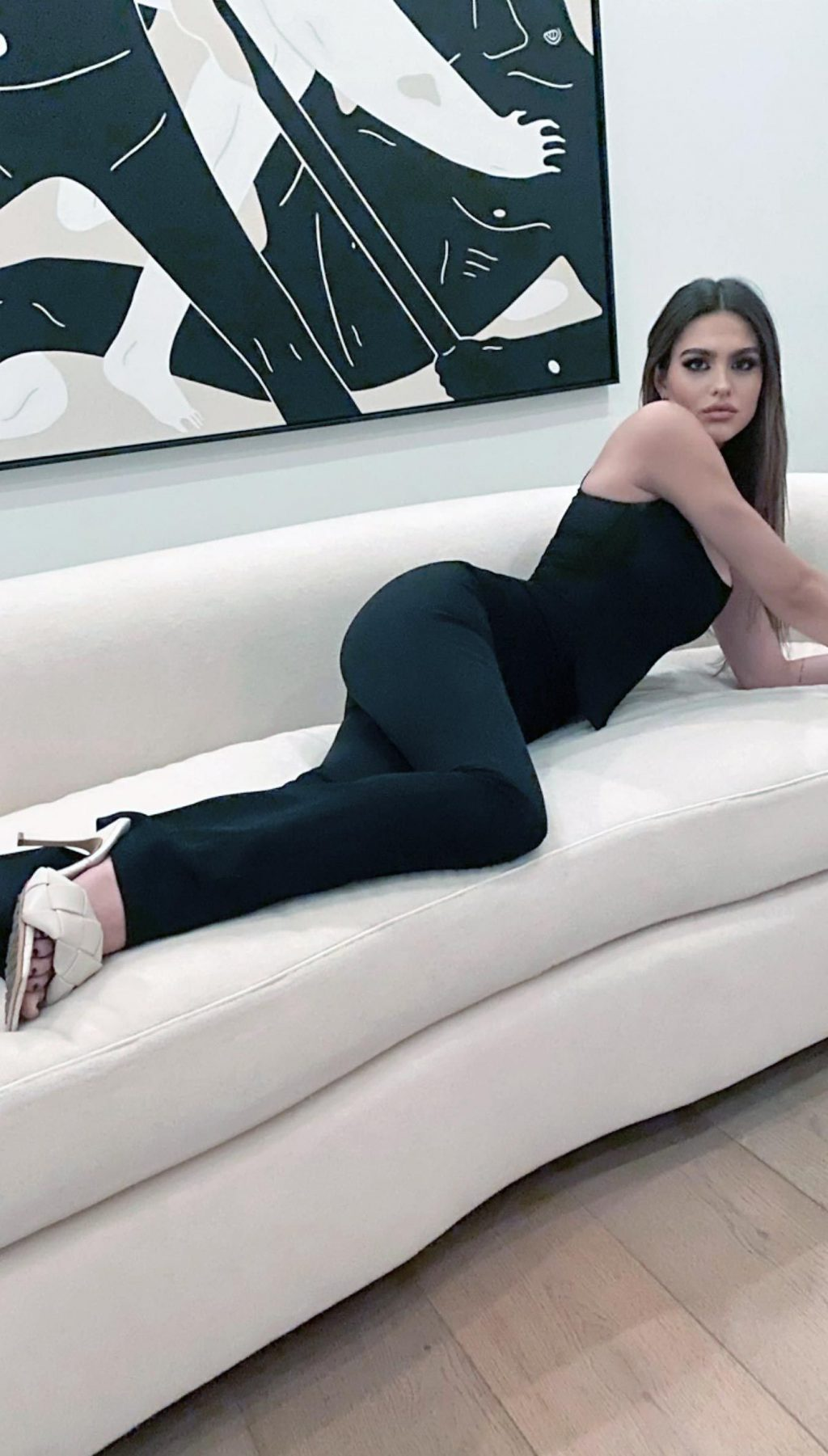 Amelia Gray Hamlin SexyFeet Collection (42 Photos)