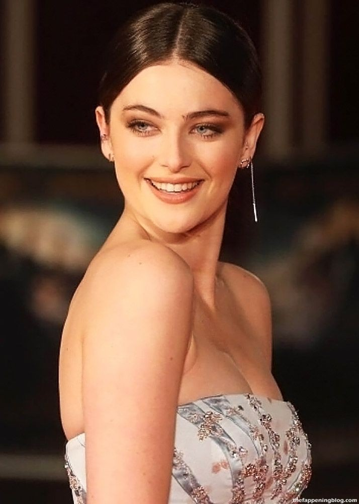 Millie Brady NUDE, Topless & Sexy Compilation (72 Photos + Sex Video Scenes)