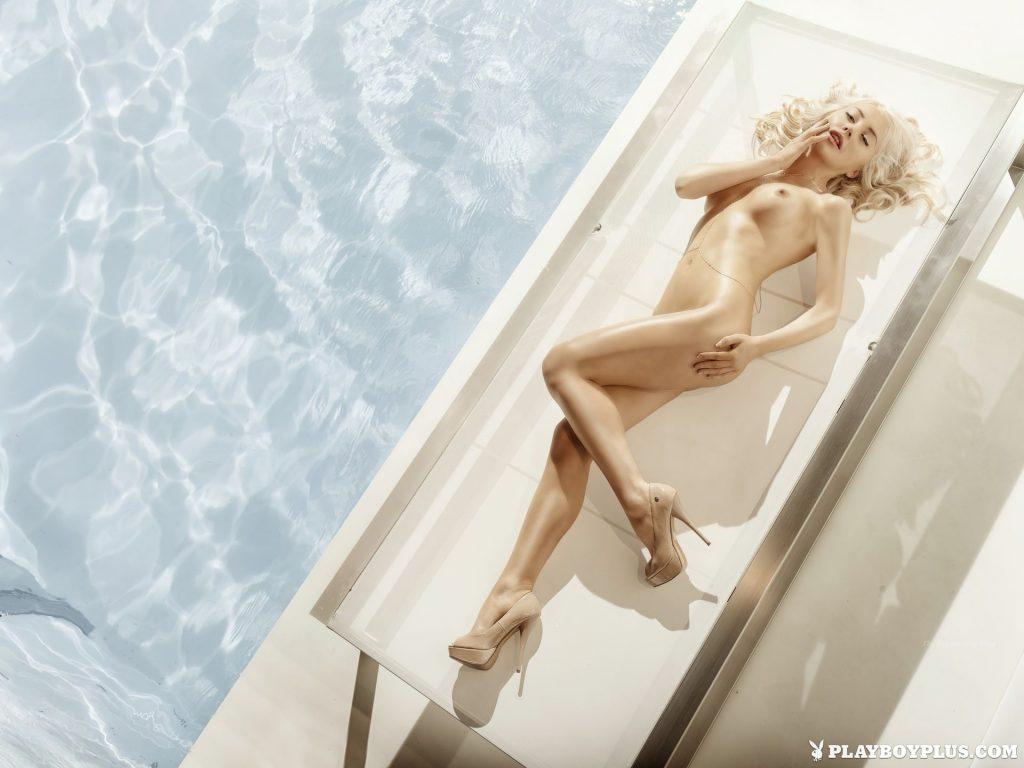 Amber Bassick Nude (13 Photos)
