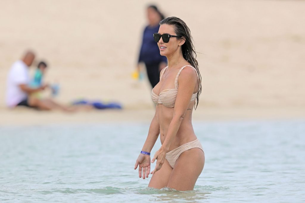 Audrina Patridge Hits the Beach in Hawaii (12 Photos)