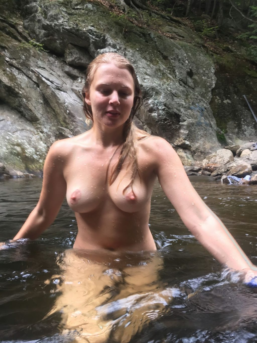 Casie Sloan Nude Leaked The Fappening (17 Photos)