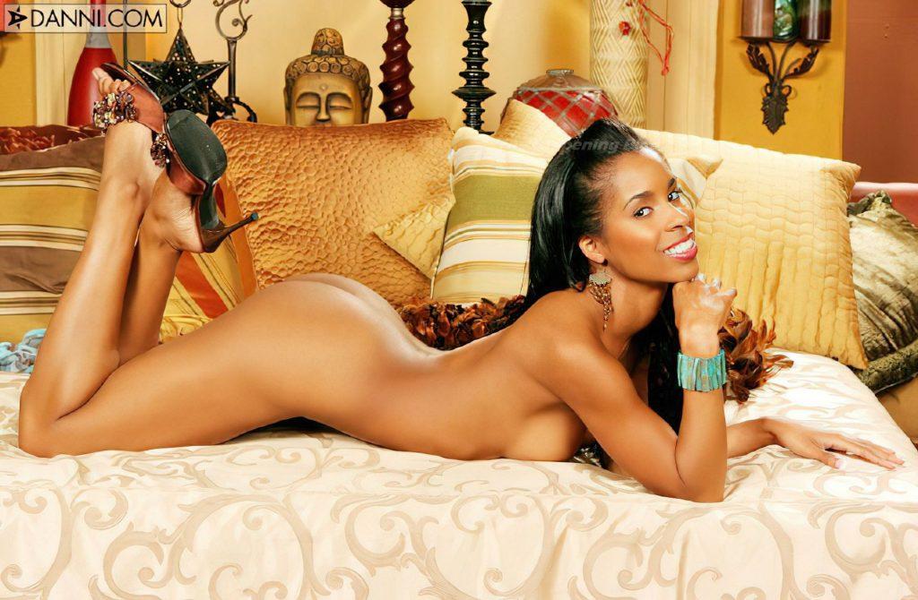 Chandella Powell Nude (23 Photos)