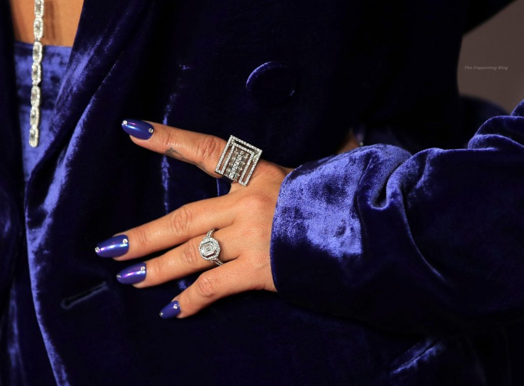 Demi Lovato Shows Off Nice Cleavage at the 2021 iHeartRadio Music Awards (53 Photos)