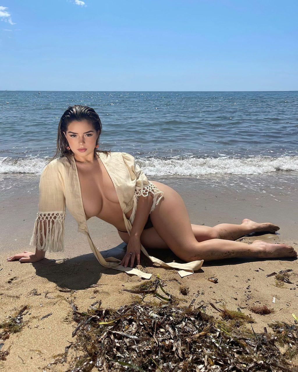 Demi Rose Flaunts Her Boobs (6 Hot Photos)