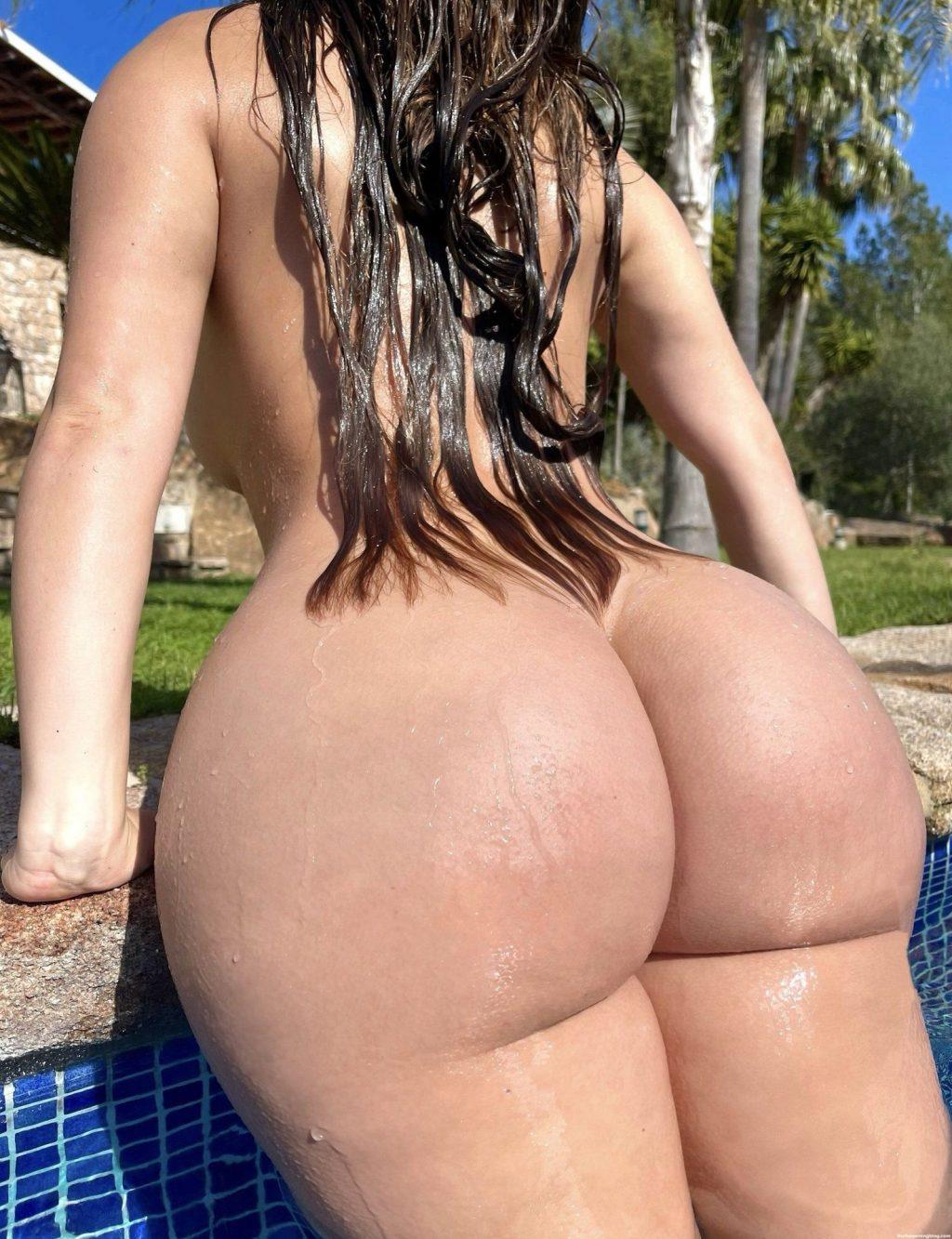 Demi Rose Nude & Sexy (14 Photos)