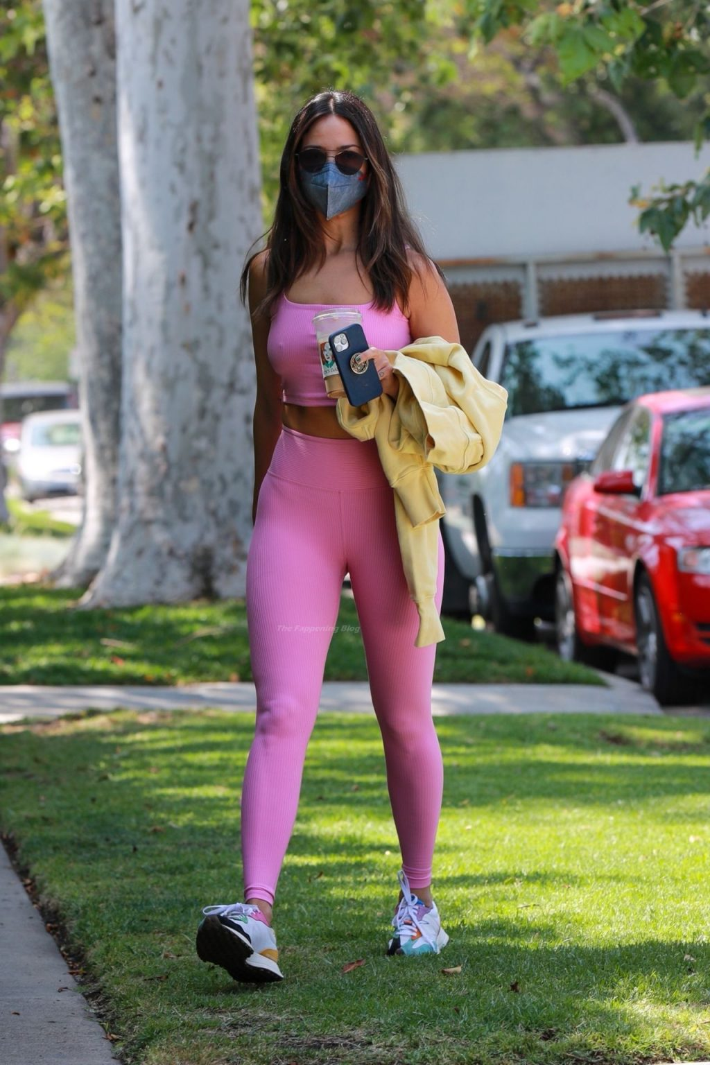 Eiza Gonzalez is Pretty in Pink as She Heads to a Pilates Class (32 Photos)