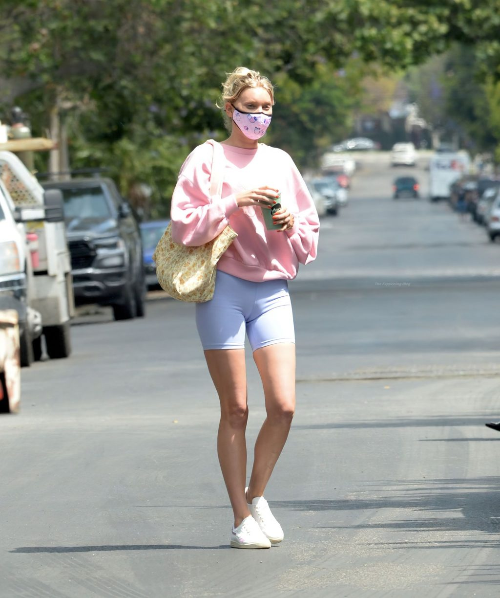Elsa Hosk Shows Nice Cameltoe as She Heads to the Gym (38 Photos)