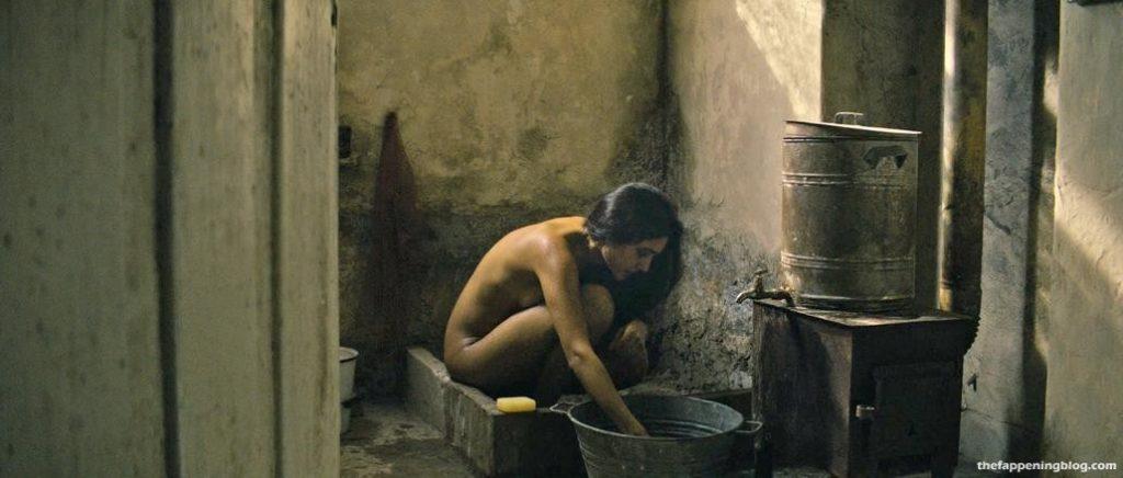 Golshifteh Farahani Nude & Sexy (22 Photos + Video) [Updated]