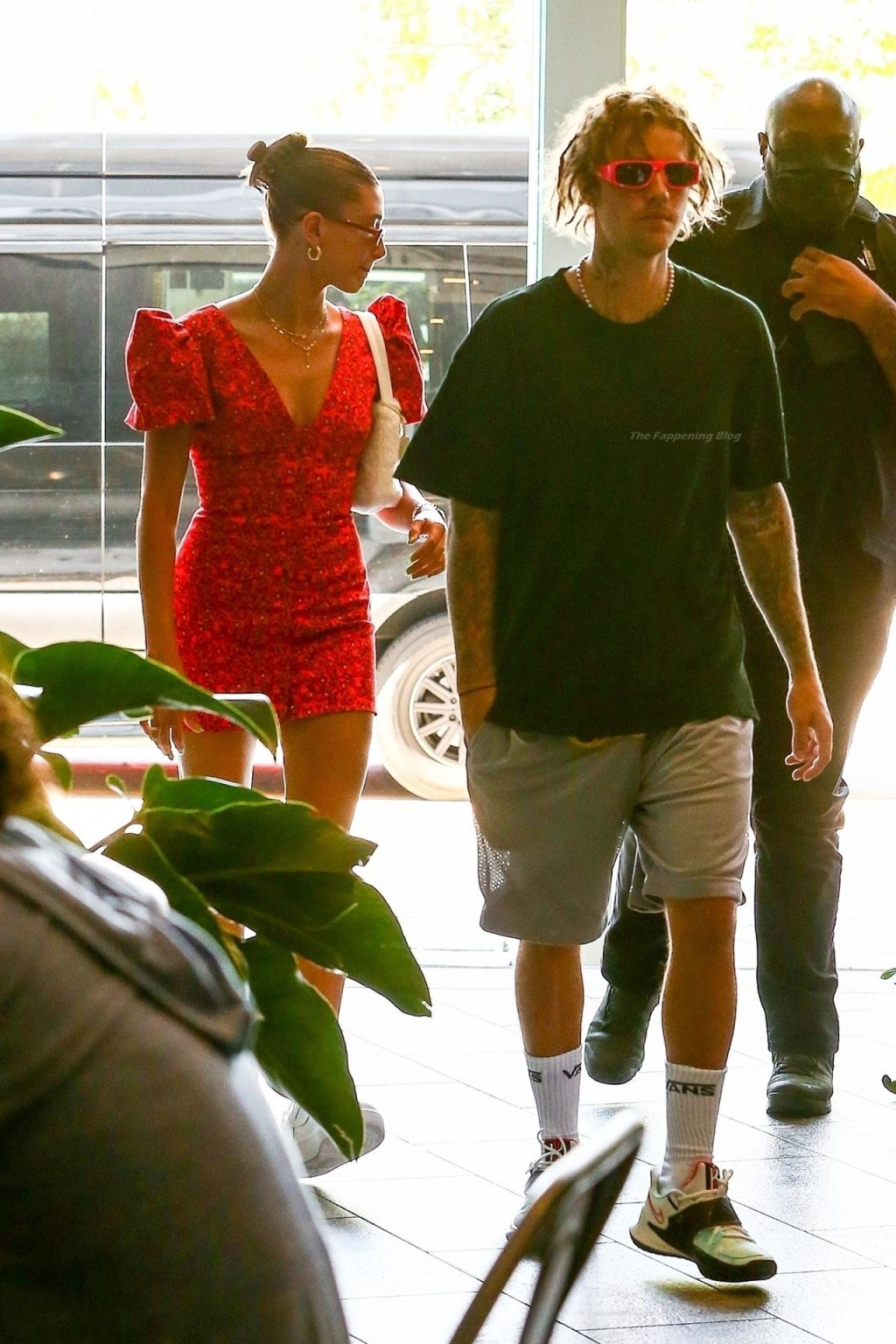 Hailey & Justin Bieber are Seen During a Miami Shopping Trip (32 Photos)