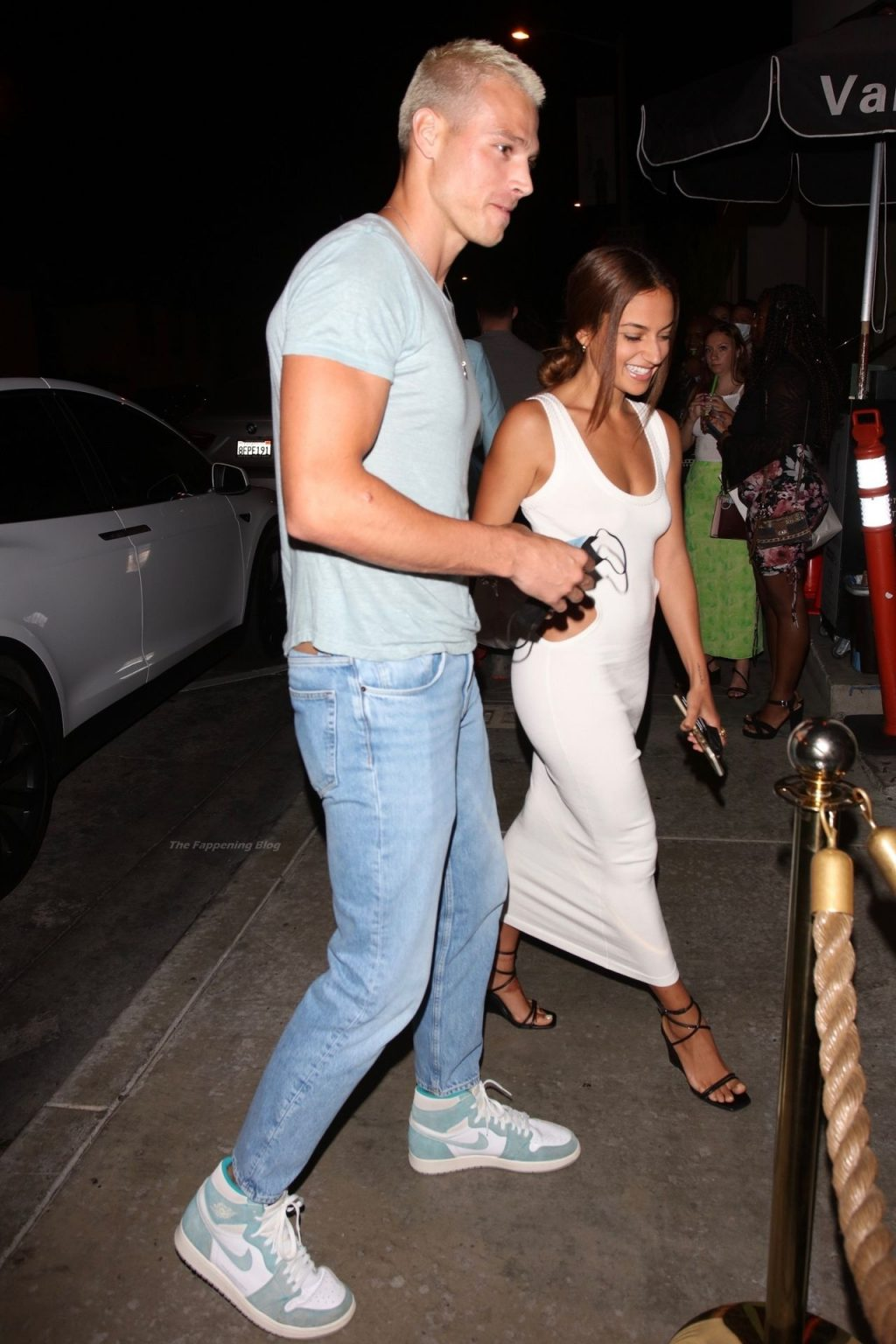 Inanna Sarkis & Matthew Noszka Arrive at Dinner Date at Catch in WeHo (14 Photos)