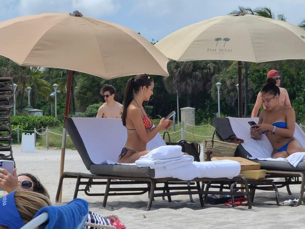 Jordan Ozuna & Tao Wickrath Enjoy a Day on the Beach (7 Photos)