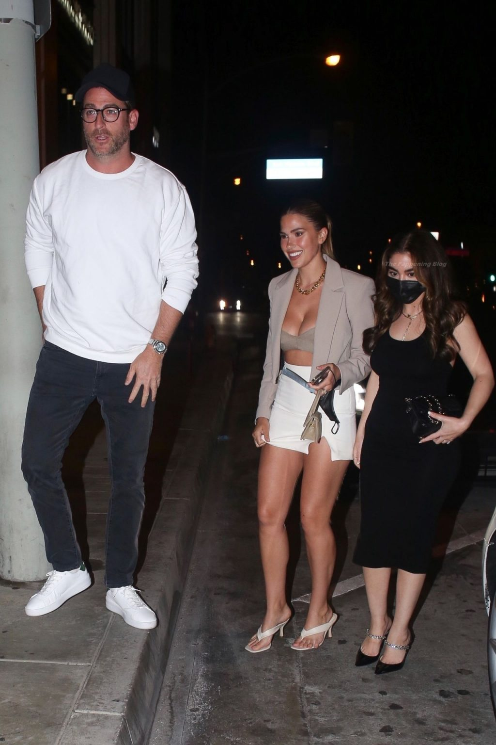 Kara Del Toro Puts on a Busty Display While Spotted Out to Dinner (47 Photos)
