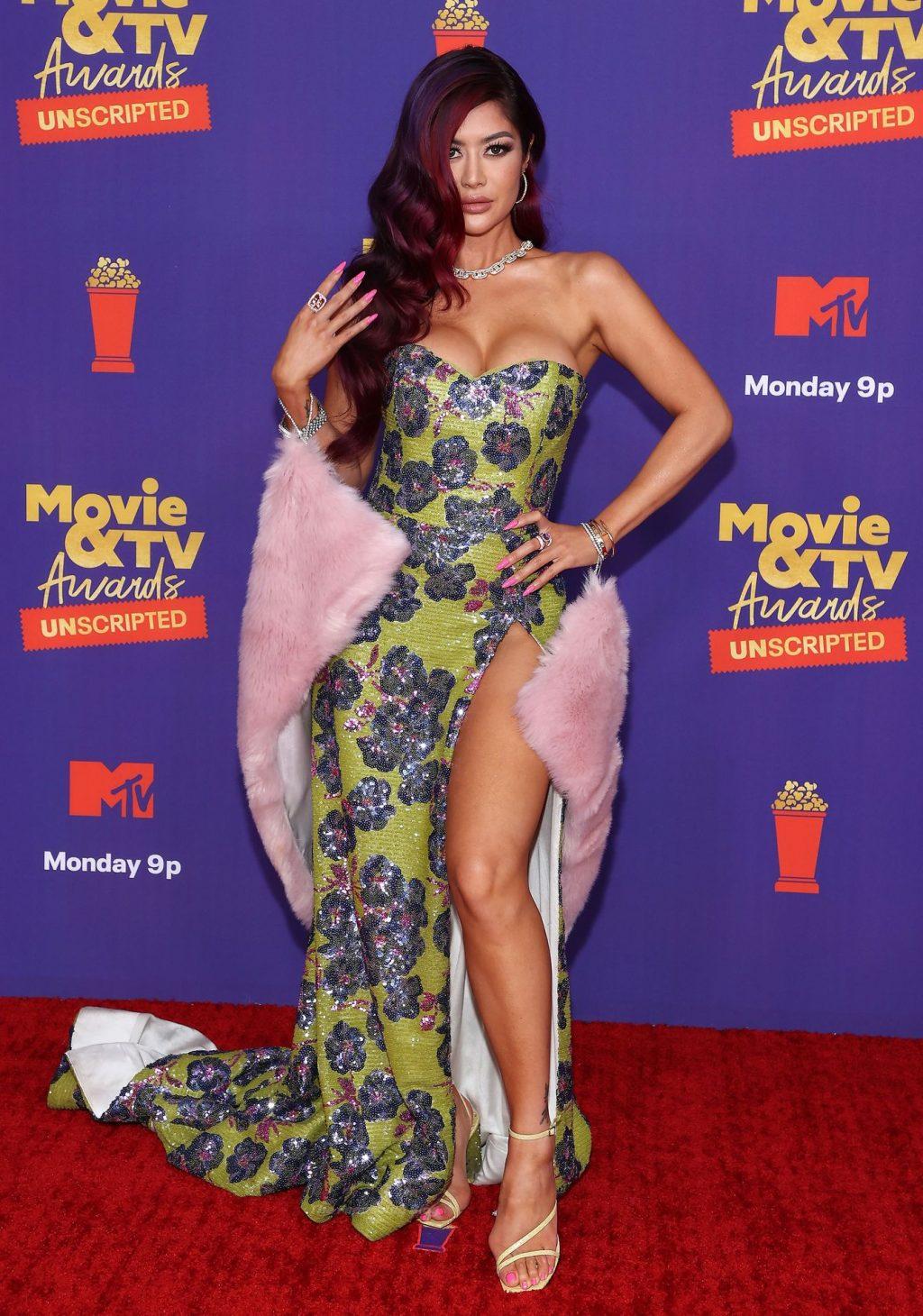Kim Lee Flaunts Her Stunning Figure at the 2021 MTV Movie & TV Awards (13 Photos + Videos)