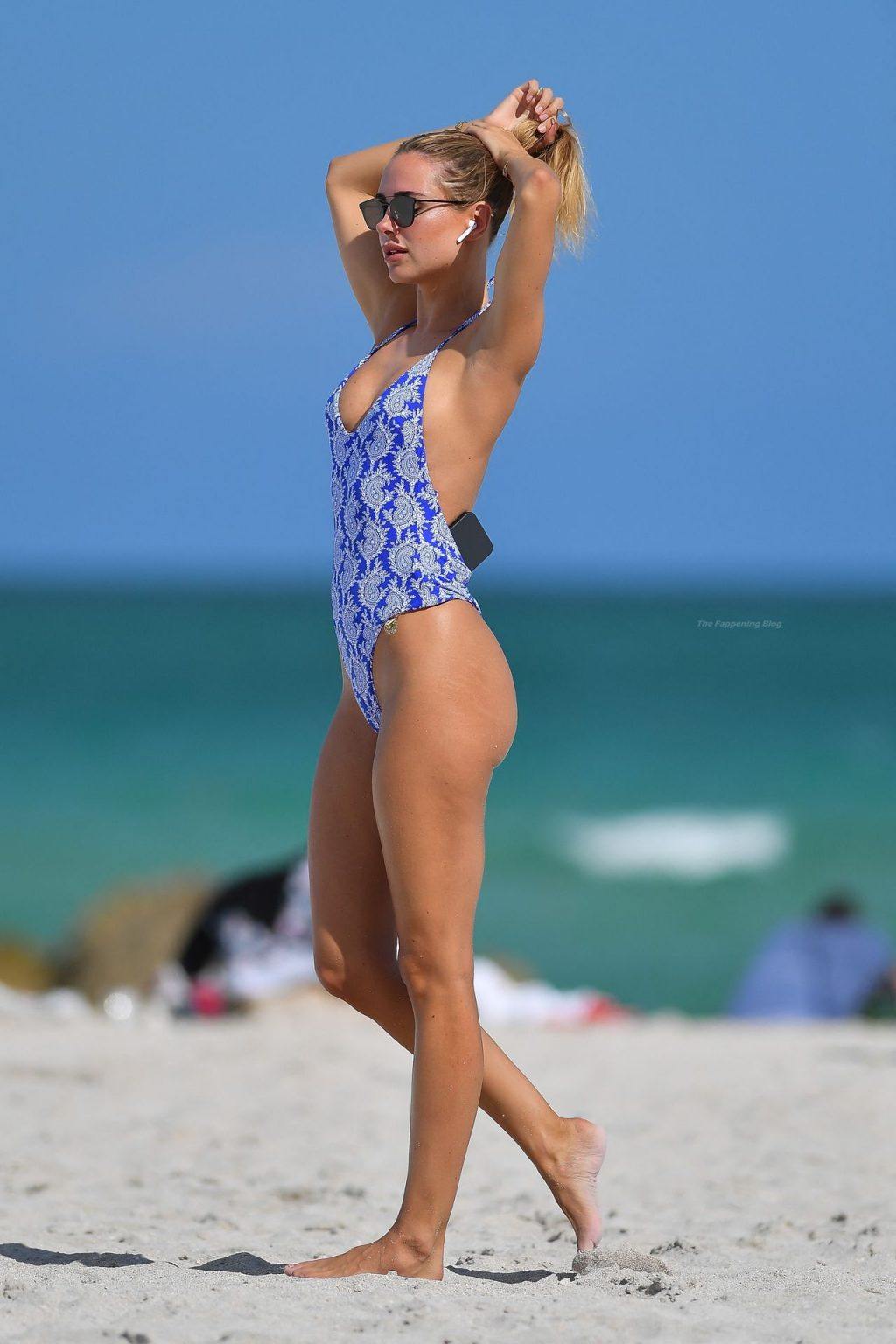 Kimberley Garner Sizzles in a Blue Thong Swimsuit in Miami Beach (23 Photos)