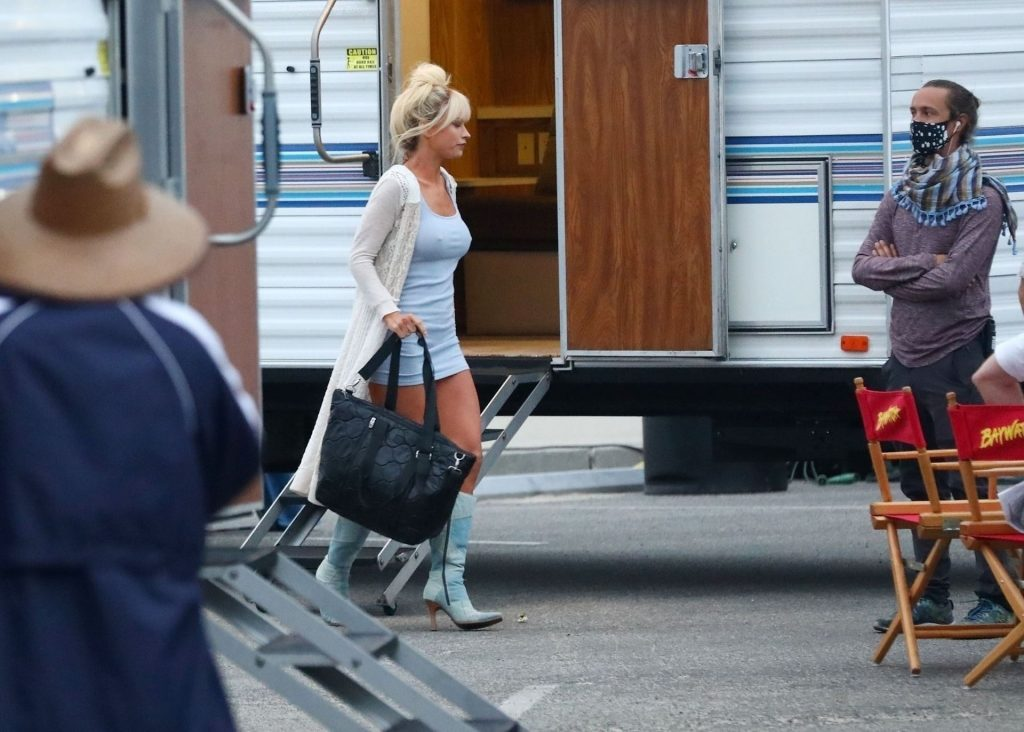 Lily James Transforms Into the Sexy Siren Pamela Anderson on the Set of the New Eight-Part Hulu Series (102 Photos)