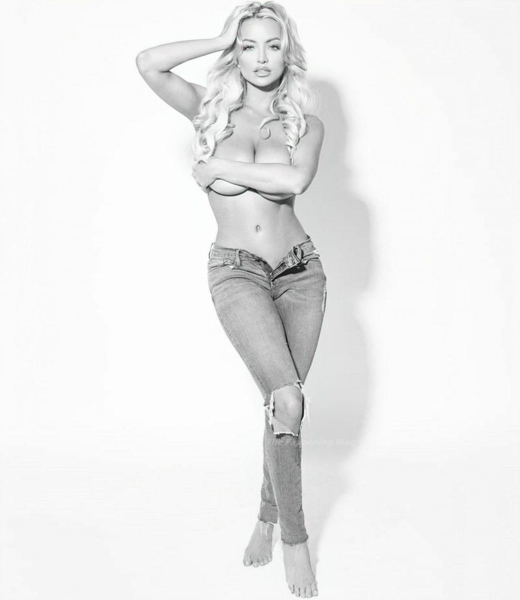 Lindsey Pelas Topless (16 Photos)