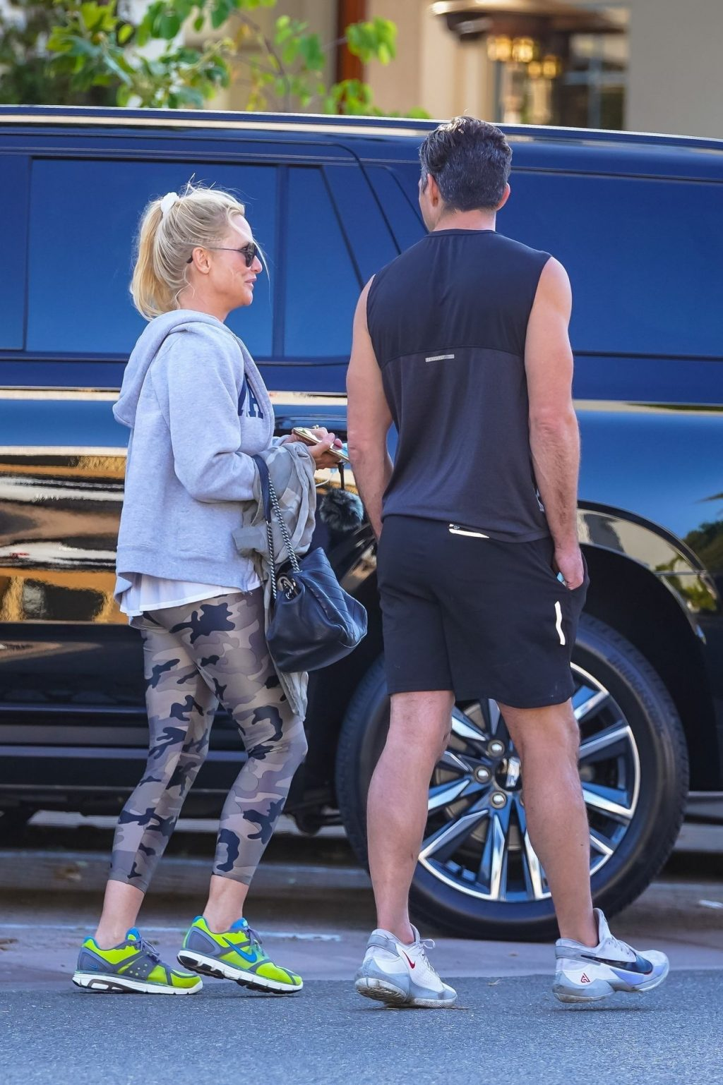 Nicollette Sheridan Gets Dressed in Athleisure For Dinner in Malibu (28 Photos)